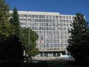 Budova MÚ Kopřivnice, v níž sídlí naše kancelář